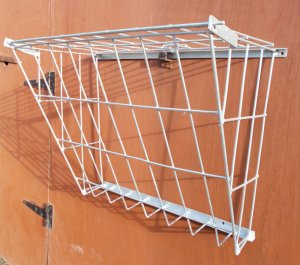 Mesh hay rack 24in - Screw On